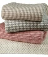 Sets of cashmere blankets